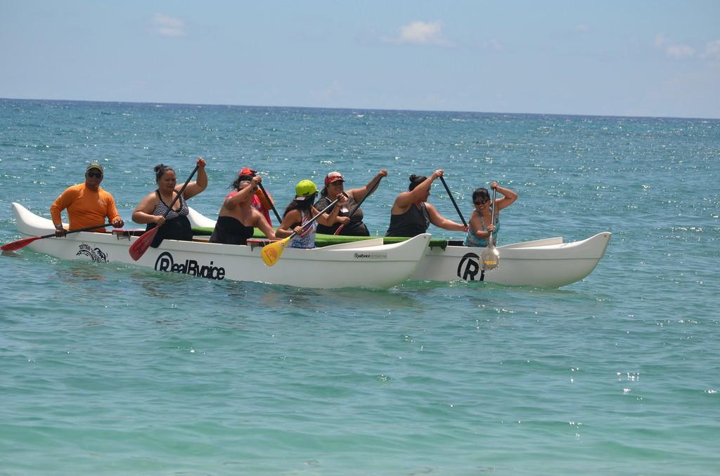 Na Kama Kai canoe