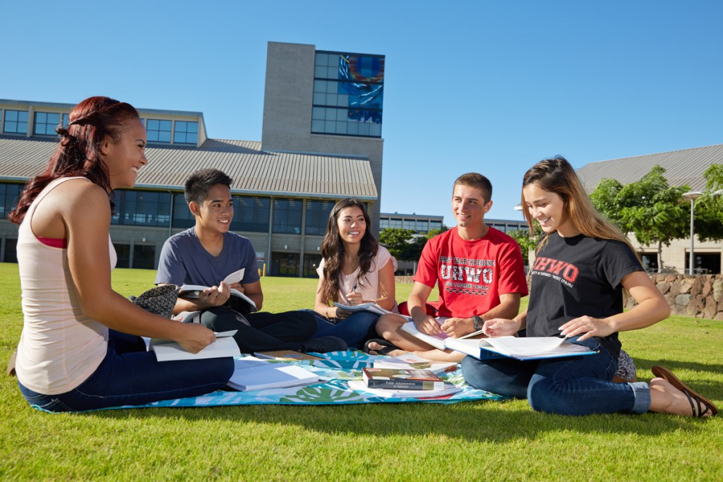 UH West Oʻahu students studying on the Great Lawn.