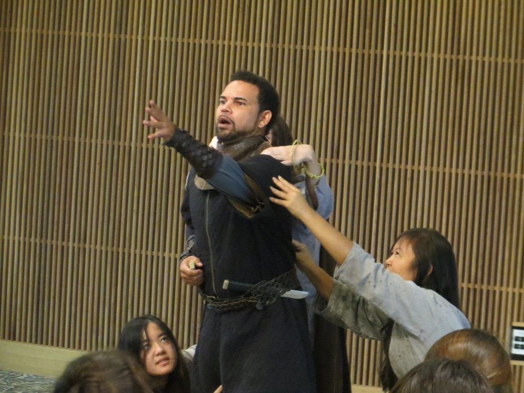 """Hawaii Shakespeare Festival touring troupe performs """"Macbeth"""" at UH West O'ahu in 2014."""