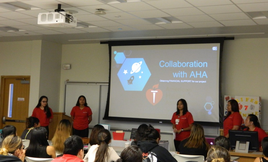 UH Hilo nursing students present their community-based health research to UH West Oʻahu pre-nursing students.