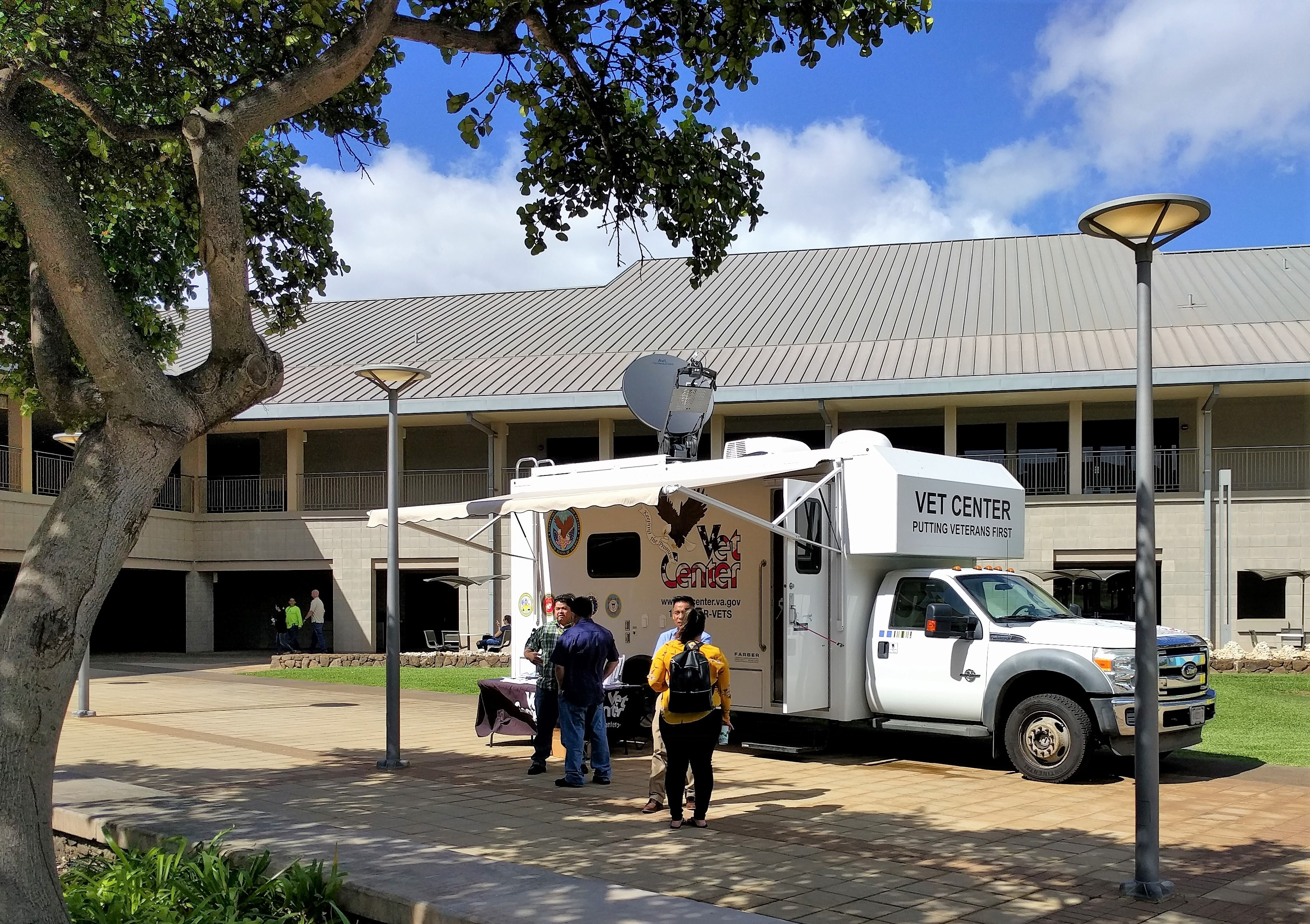 Picture of Mobile Vet Center parked at Campus Center during a Nov. 20 visit