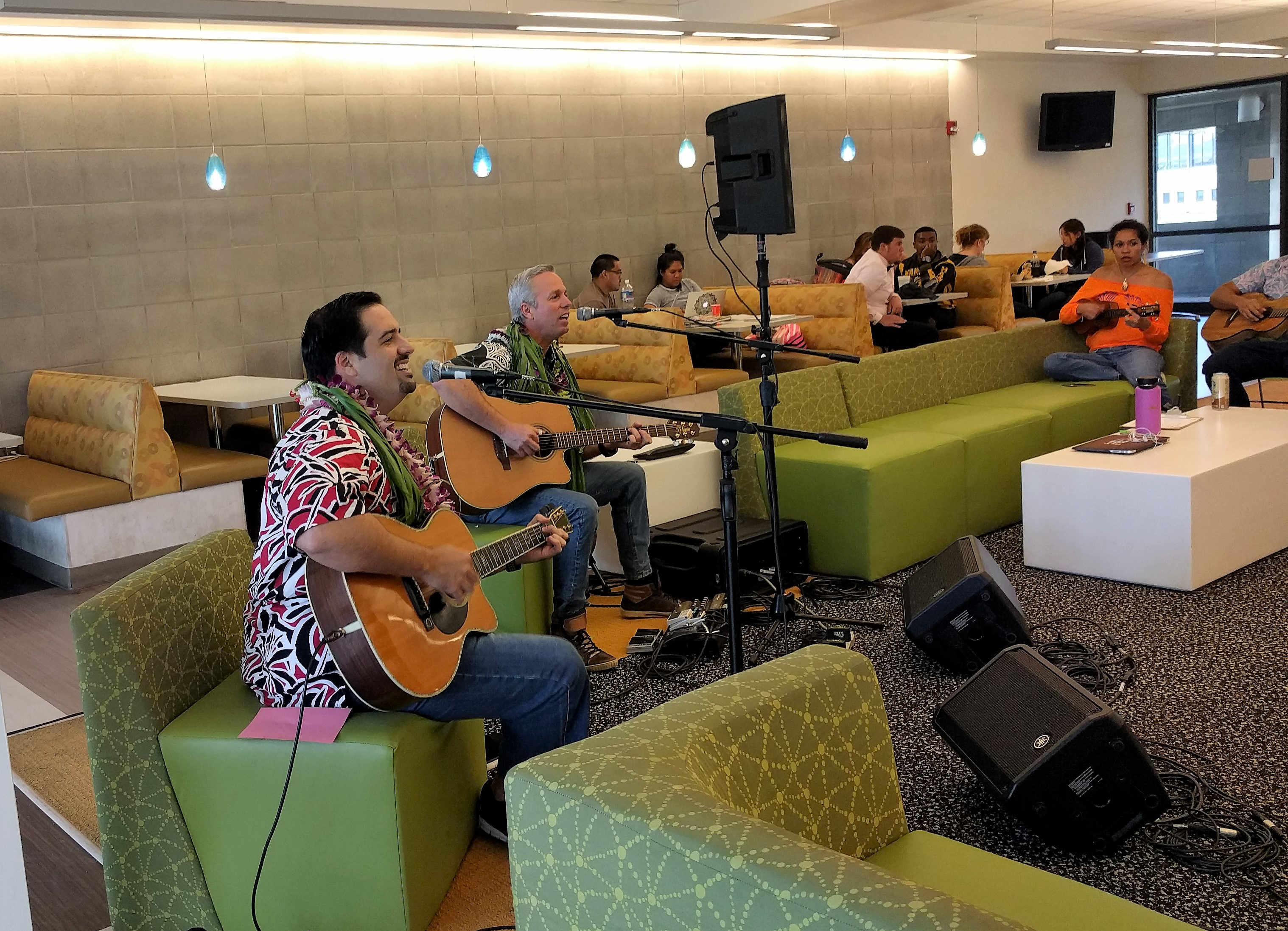 Kamuela Kimokeo and Bobby Moderow Jr. played at a Hoʻokani Kulanui earlier this semester.