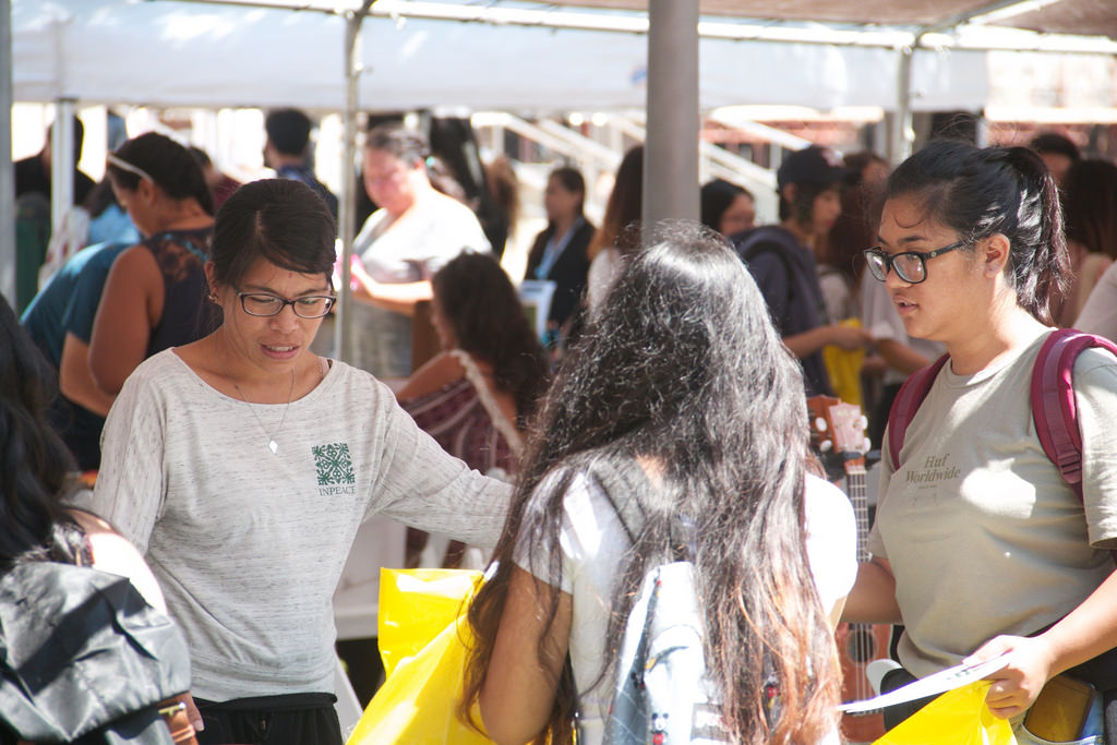 The Fall E Olo Pono Fair was held in the campus courtyard.
